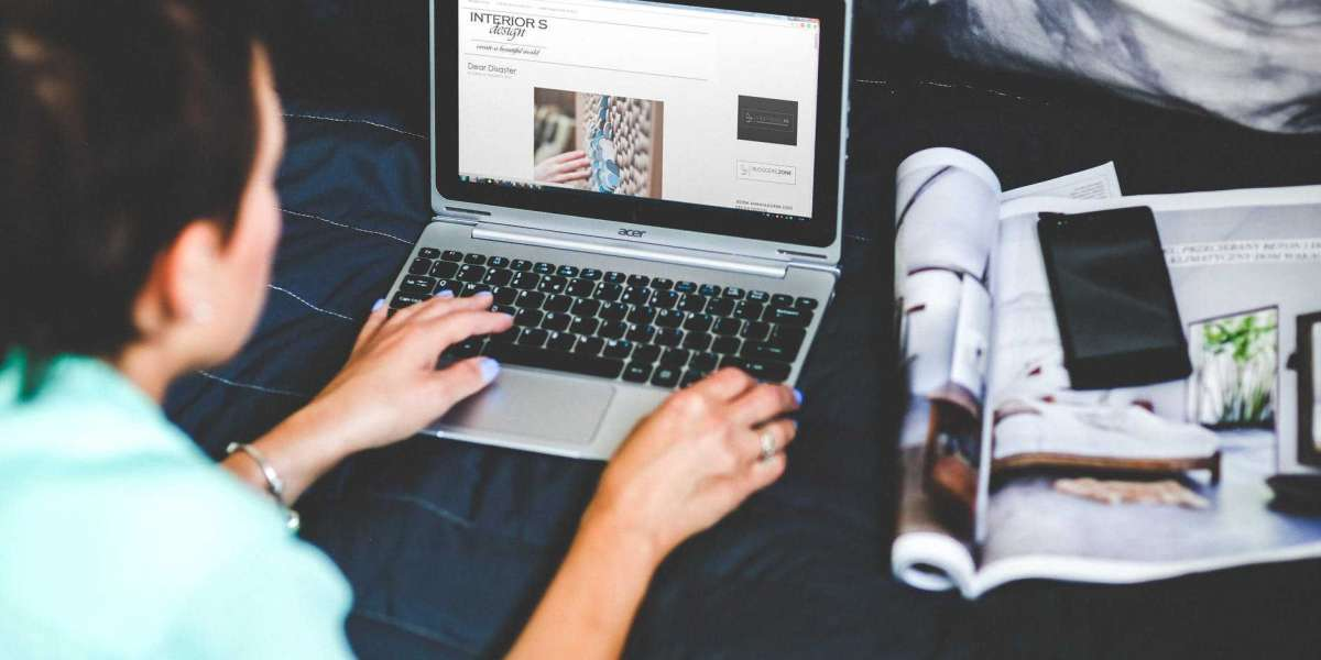 Four Tips To Stay Focused On Online Classes